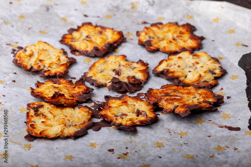 Fotomural home made florentiner cookies on baking paper