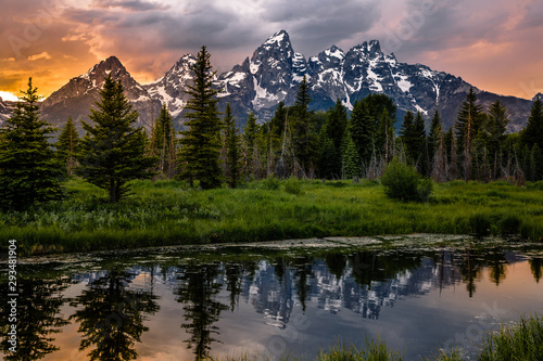 Obraz na plátne Sunset Reflections on the Grand Teton Range from Schwabacher Landing