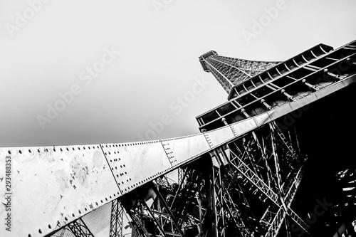 In de dag Eiffeltoren Architectural details of the Eiffel Tower in Paris