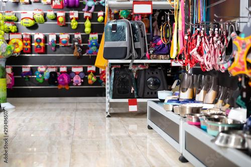 Fotografía Interior of pet store with pet accessories