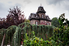 The Mansion Of The Phantoms Of An Theme Park