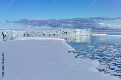 Photo Glacier ice shelf Ross Sea Antartica
