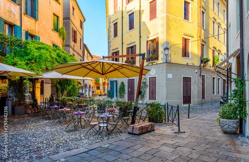 Stara ulica w Padwie, Veneto, Włochy (Padova)