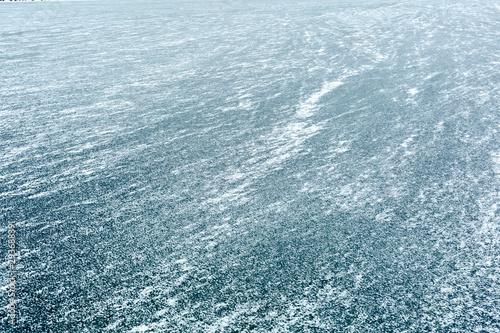 Obraz na plátně  Frozen blue lake in winter. View from above