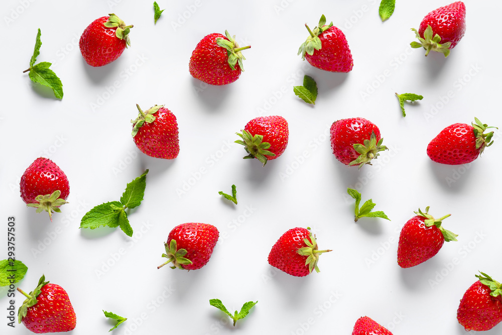 Fototapety, obrazy: Many sweet ripe strawberries with mint on white background