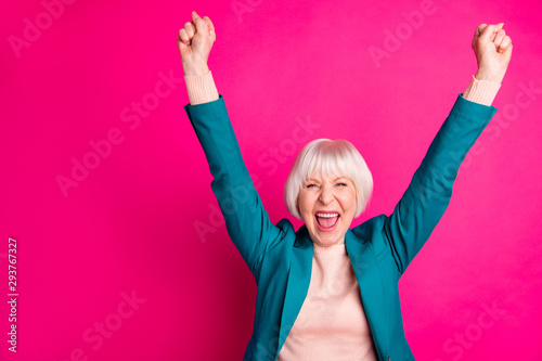 Fotografia Portrait of her she nice attractive cheerful cheery overjoyed gray-haired lady w