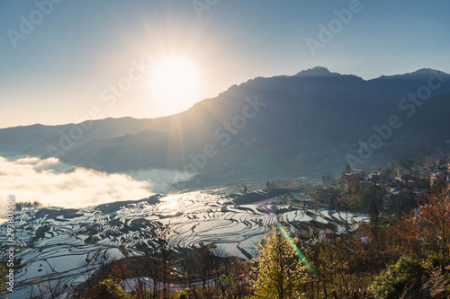 Photo sur Toile Les champs de riz Terraced rice fields of YuanYang , China with beautiful sun rise