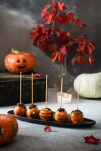 Halloween Cake Pops Treats On ...