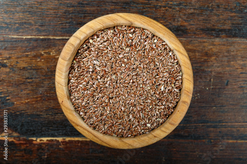 dry flax seeds in a plate Canvas-taulu
