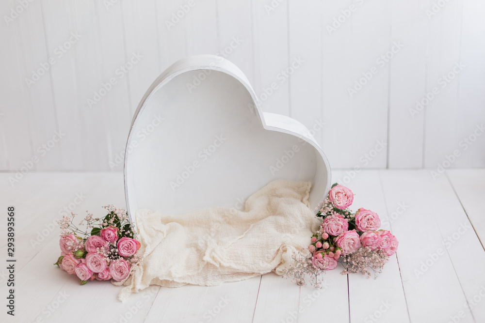 Fototapety, obrazy: heart of wood decorated with roses. basket for newborn photo shoot. pink rose. heart