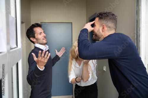 Cuadros en Lienzo  Man Arguing With His Neighbors