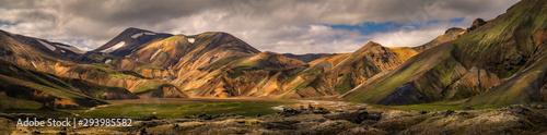 Obraz Beautiful landscape view of landmannalaugar mountain - fototapety do salonu