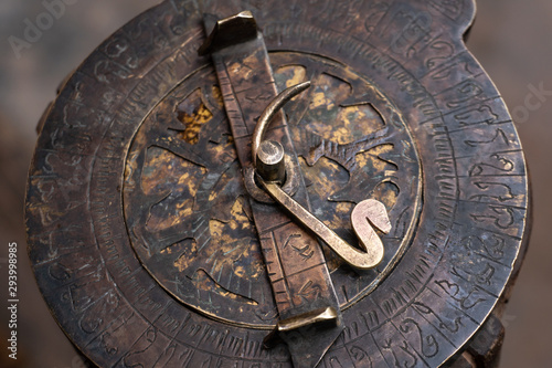 Cuadros en Lienzo Astrolabe - an ancient compass tool made by desert Berber people in Maghreb
