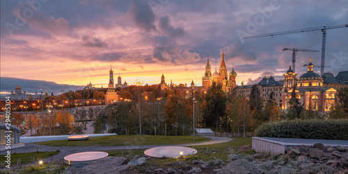 La pose en embrasure Con. Antique Panorama of the Moscow Kremlin and the Cathedral of Christ the Savior. The view from the Park Zaryadye