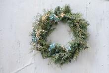 Modern Christmas Wreath. Styli...