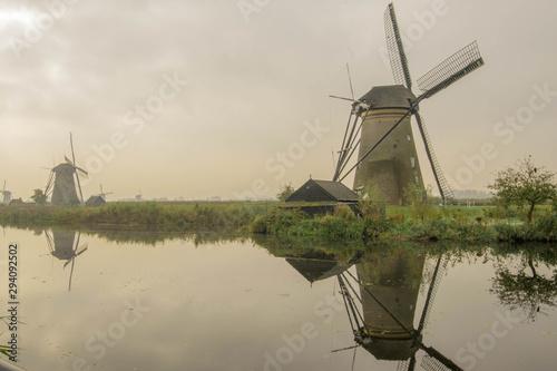 Fototapeta オランダ / 風車 obraz na płótnie