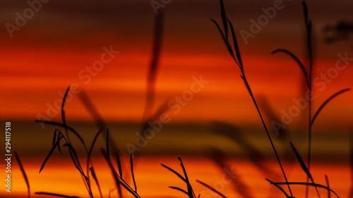 Montage in der Fensternische Rot kubanischen golden sky at sunset