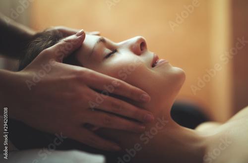 Photo Woman having a massage