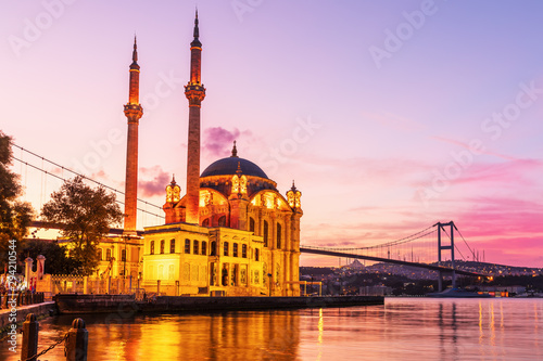 Poster Oude gebouw Ortakoy Mosque at beautiful sunrise light, Istanbul, Turkey