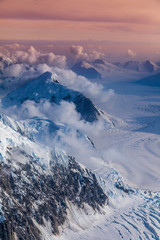 Panel Szklany Góry Higher than clouds - areal view of Mount McKinley glaciers, Alaska
