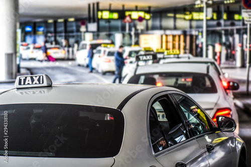 Canvas Print Taxi car on a street of airport