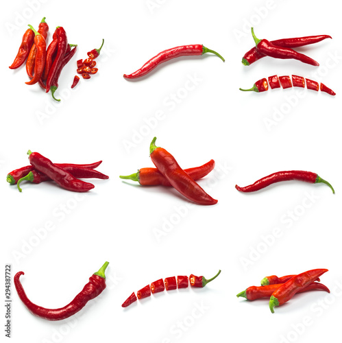 La pose en embrasure Hot chili Peppers Set of Red chili pepper isolated on a white background. Healthy food. Fresh vegetables.
