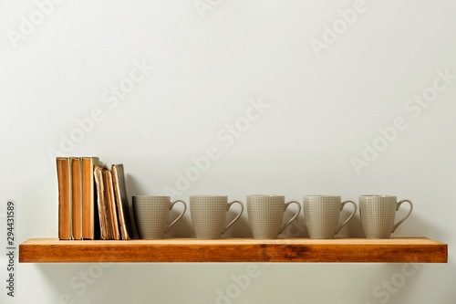 Cadres-photo bureau Retro Wooden kitchen shelf of free space for your decoration and gray wall space