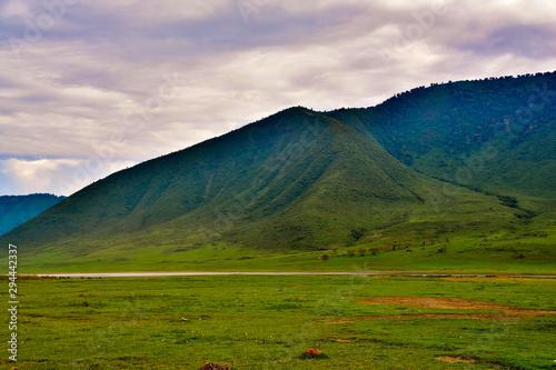 ngorongoro crater at dusk Fototapete