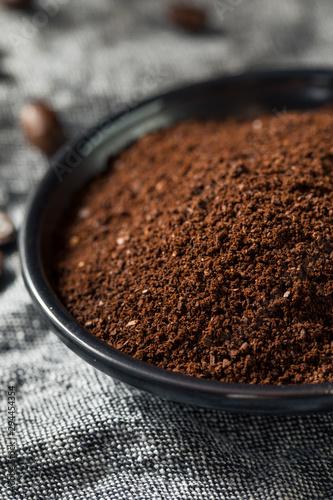 Foto op Plexiglas Koffiebonen Organic Ground Roasted Coffee Beans