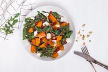 Delicious Seasonal Salad With ...