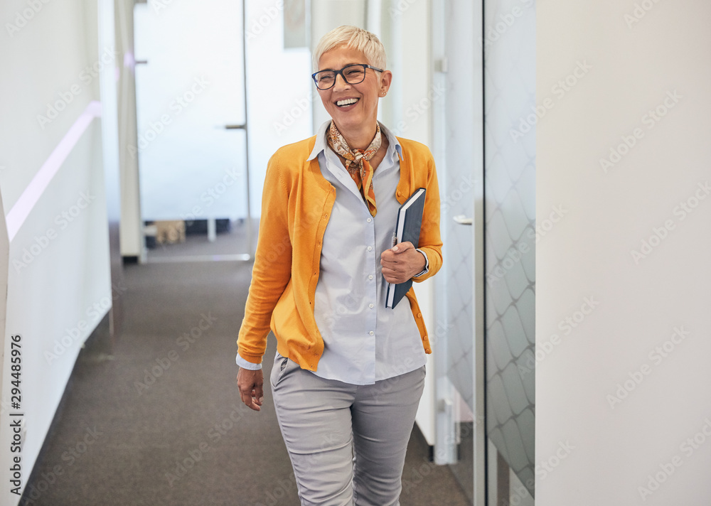 Fototapeta senior business woman office workplace corporate building