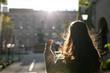 canvas print picture - Frau in der Stadt Berlin beim Spazieren
