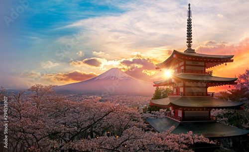 Autocollant pour porte Lieu de culte Fujiyoshida, Japan Beautiful view of mountain Fuji and Chureito pagoda at sunset, japan in the spring with cherry blossoms