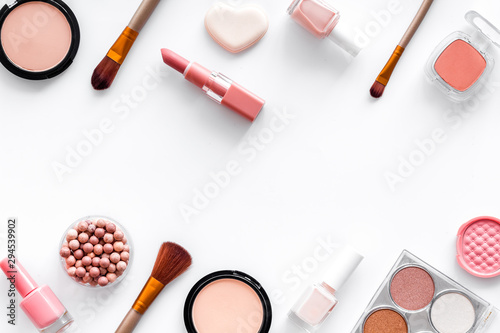 Fototapety, obrazy: Makeup concept. Frame with decorative cosmetics and brushes on white background top view copy space