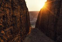 Narrow Road Between The Rocks, Way To Paradise