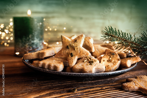 Papel de parede  Christmas cookies with candle light