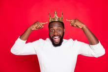 Portrait Of Amazed Crazy Afro American Beard Man Point At His Crown Scream Wow Omg Win Prom Party Competition Become Best Wear White Trendy Jumper Isolated Over Red Color Background