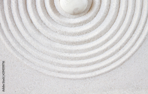 Tuinposter Stenen in het Zand Zen japanese garden background top view