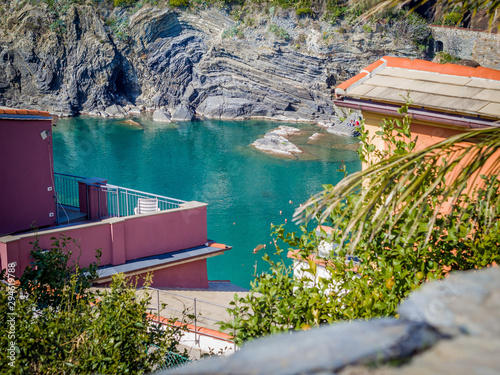 Montage in der Fensternische Hochrote Coastline of Vernazza one of five colorful villages of Cinque Terre