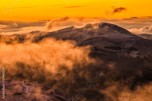 Papiers peints Marron chocolat Splendis sunrise in the mountains. Bieszczady Mountains. Poland