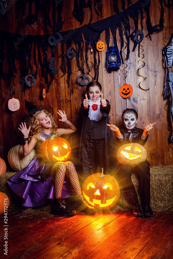 Fototapety, obrazy: Halloween party for kids