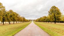 Windsor Castle Long Walk In Au...