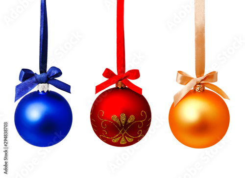 Stickers pour portes Fleur Perfect hunging red blue and gold yellow christmas balls isolated on a white