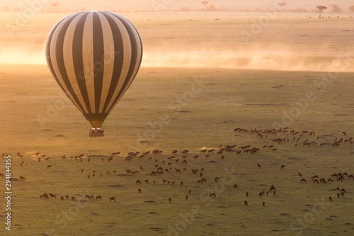Fototapeta hot air ballon ride in Masai Mara