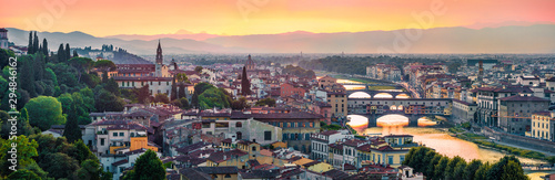 Keuken foto achterwand Oude gebouw Panoramic evening cityscape of Florence, Italy, Europe. Beautiful medieval arched river bridges over Arno river.Traveling concept background.
