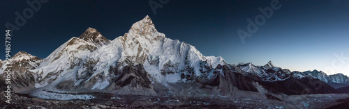 Slika na platnu View of Mt Everest from Kala Pattar after sunset