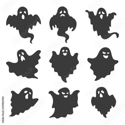 Photo vector set of ghosts on white background