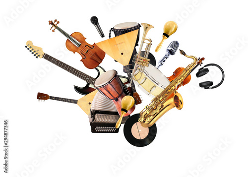 Fotografía A variety of musical instruments in beautiful flight