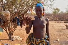 Young Mucubal Woman Checking Her Smartphone, Tchitundo Hulo, Virei, Angola