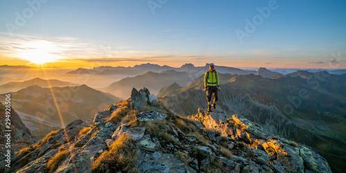 Herbstwanderung in den Bergen Fototapeta
